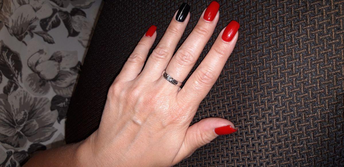 Кольцо очень красивое,  фото не может передать всю прелесть этого изделия!