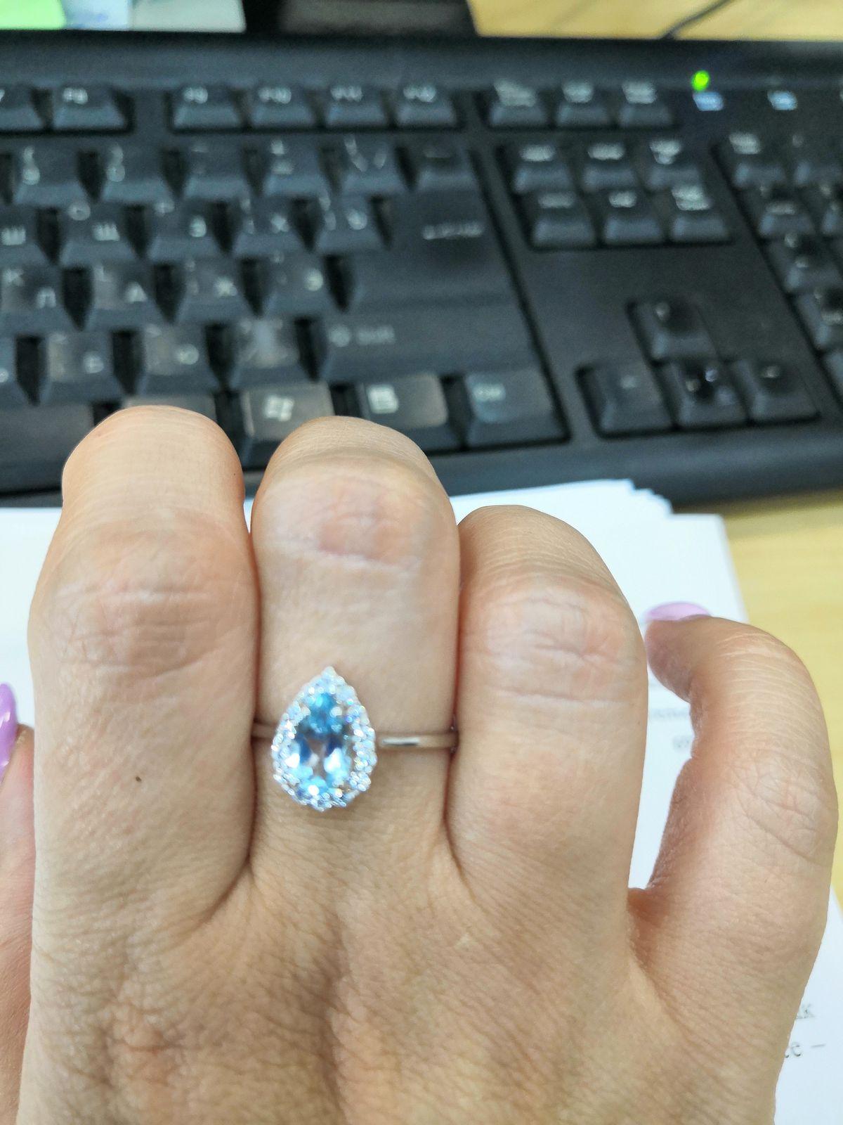 Серебренное кольцо с топазами и фианитами sokolov