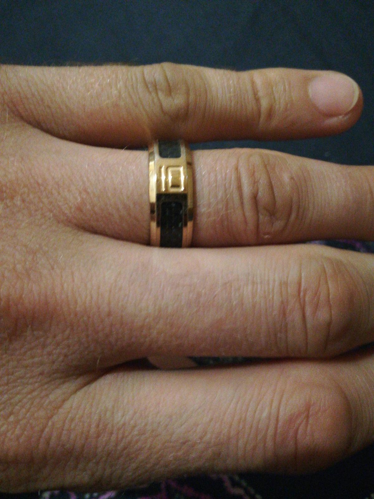 Кольцо из качественной стали.