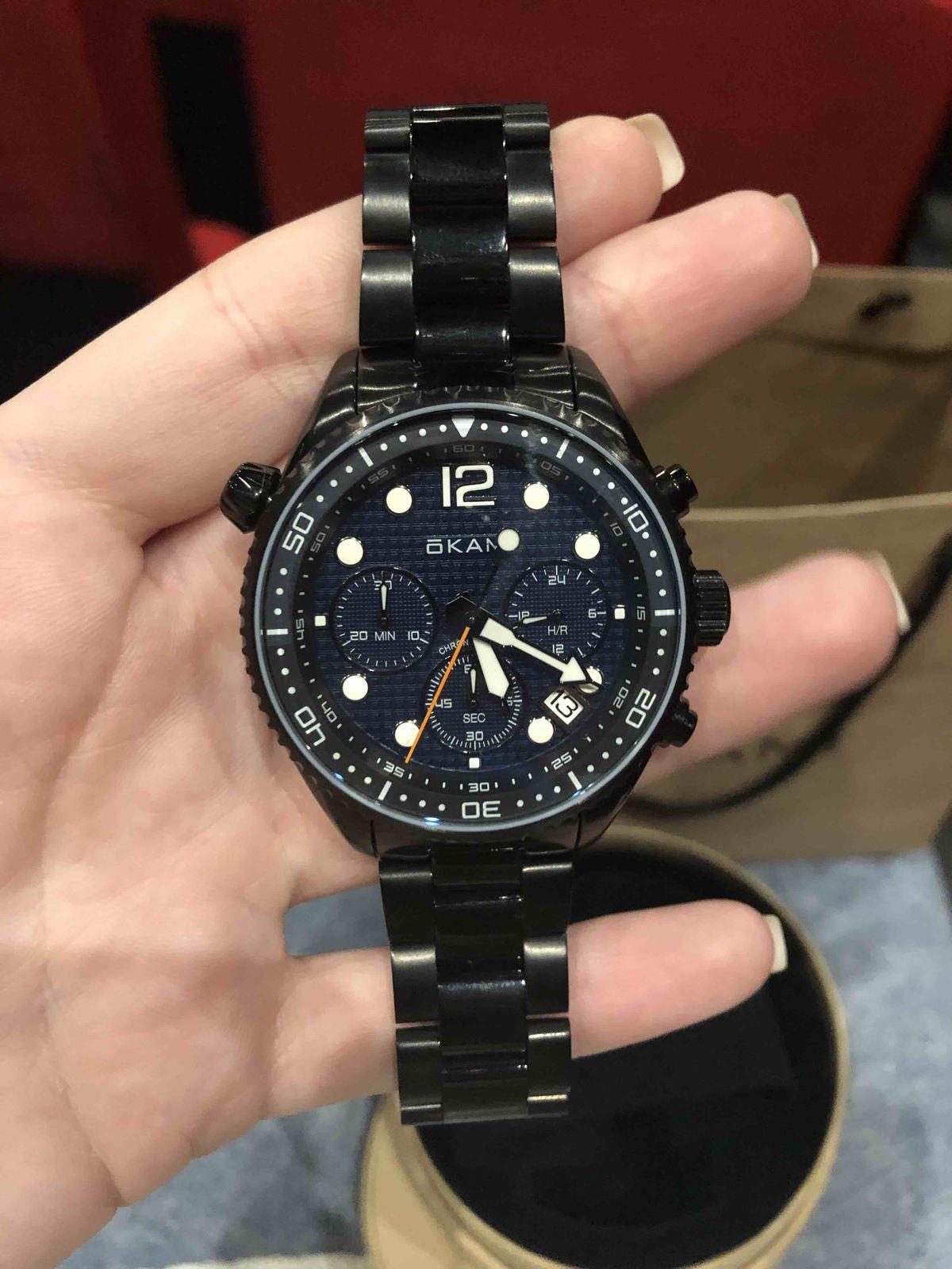 Часы на стальном браслете