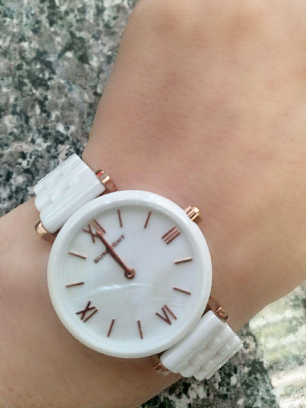 Красивые керамические часы с перламутровым циферблатом