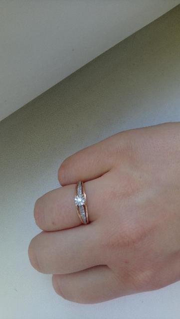 Шикарное кольцо с бриллитами