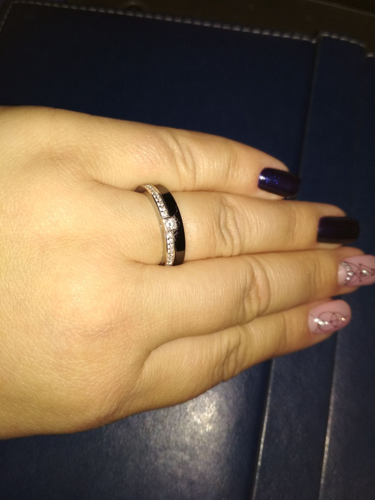 Черная керамика и серебро