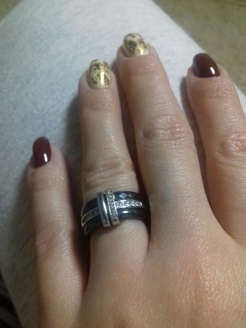 Я очень довольна подарком мужа. Кольцо очень красиво и богато смотриться. ☺
