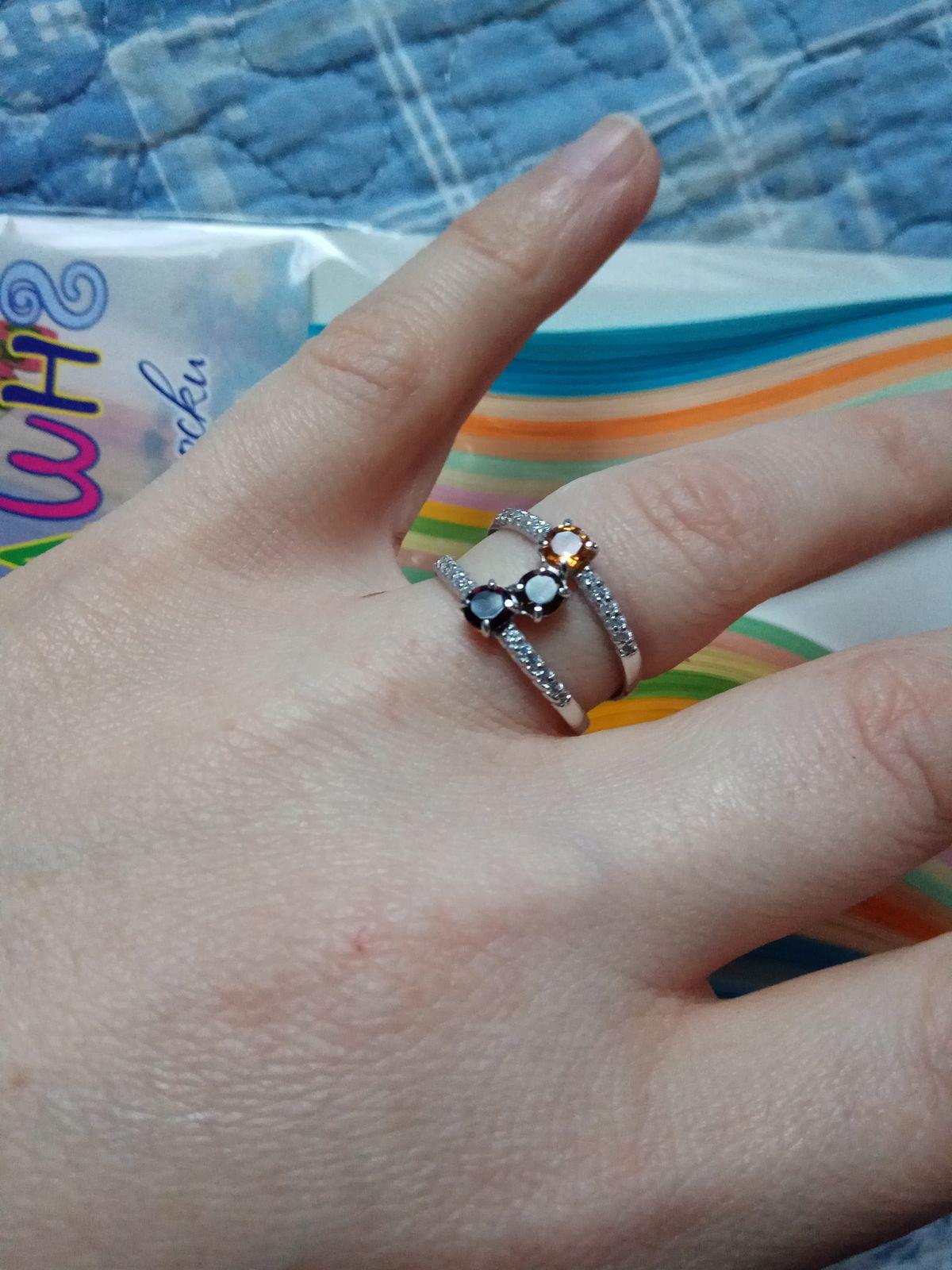 Удобное кольцо с камнями