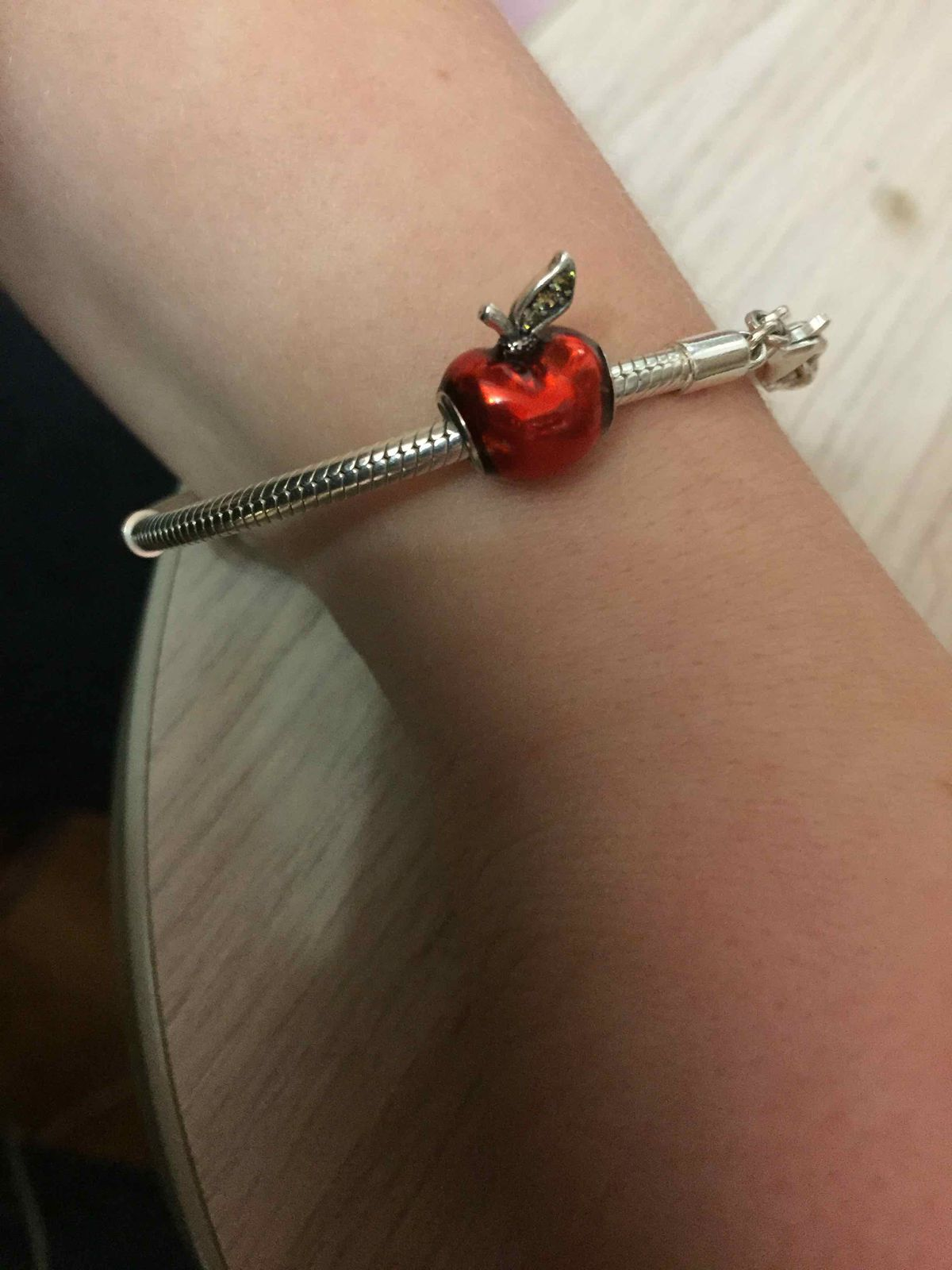 Шарм серебряная подвеска яблоко  это моя новая любовь советую всем !!!