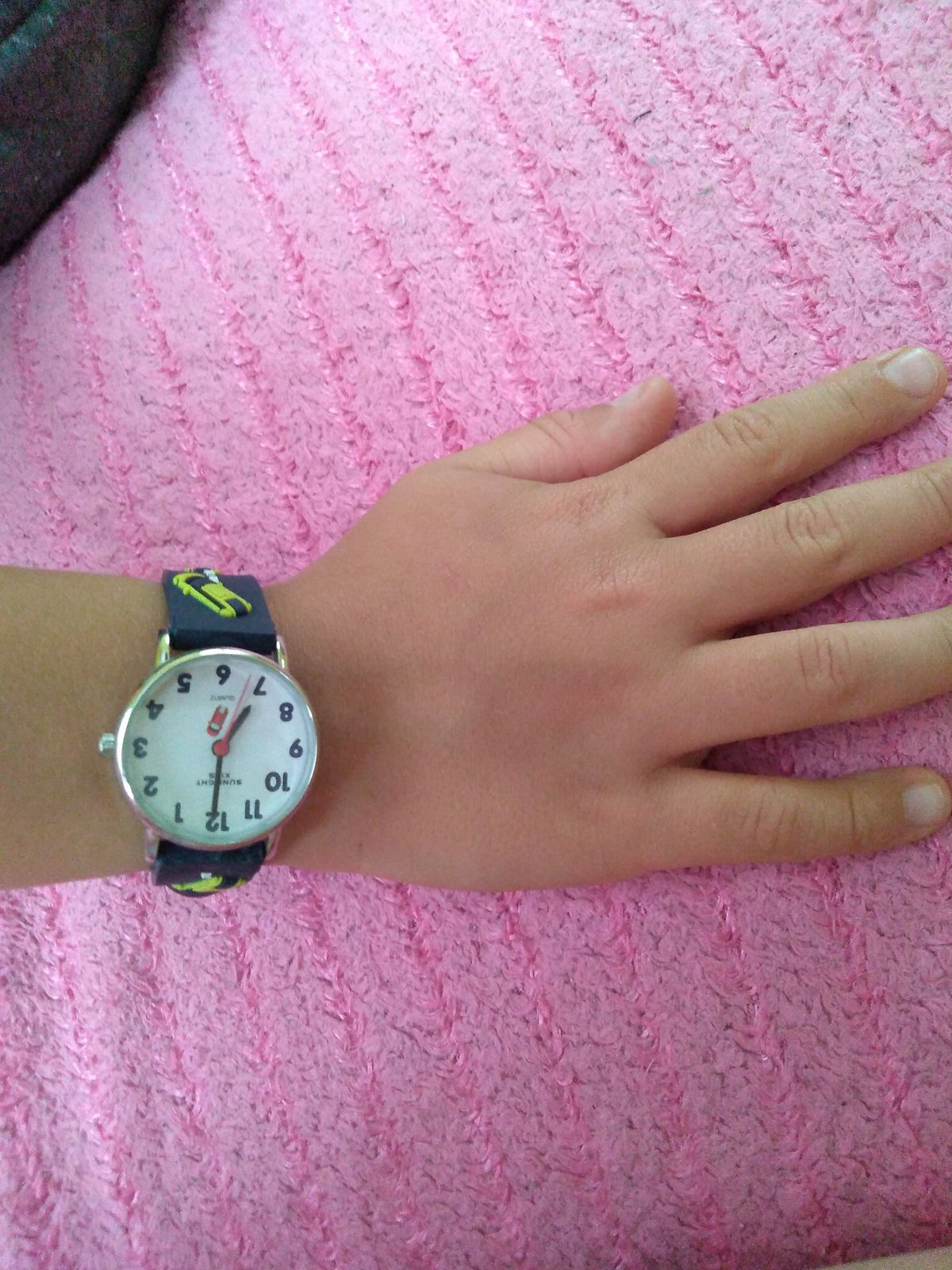 Отличные часы в подарок ребенку