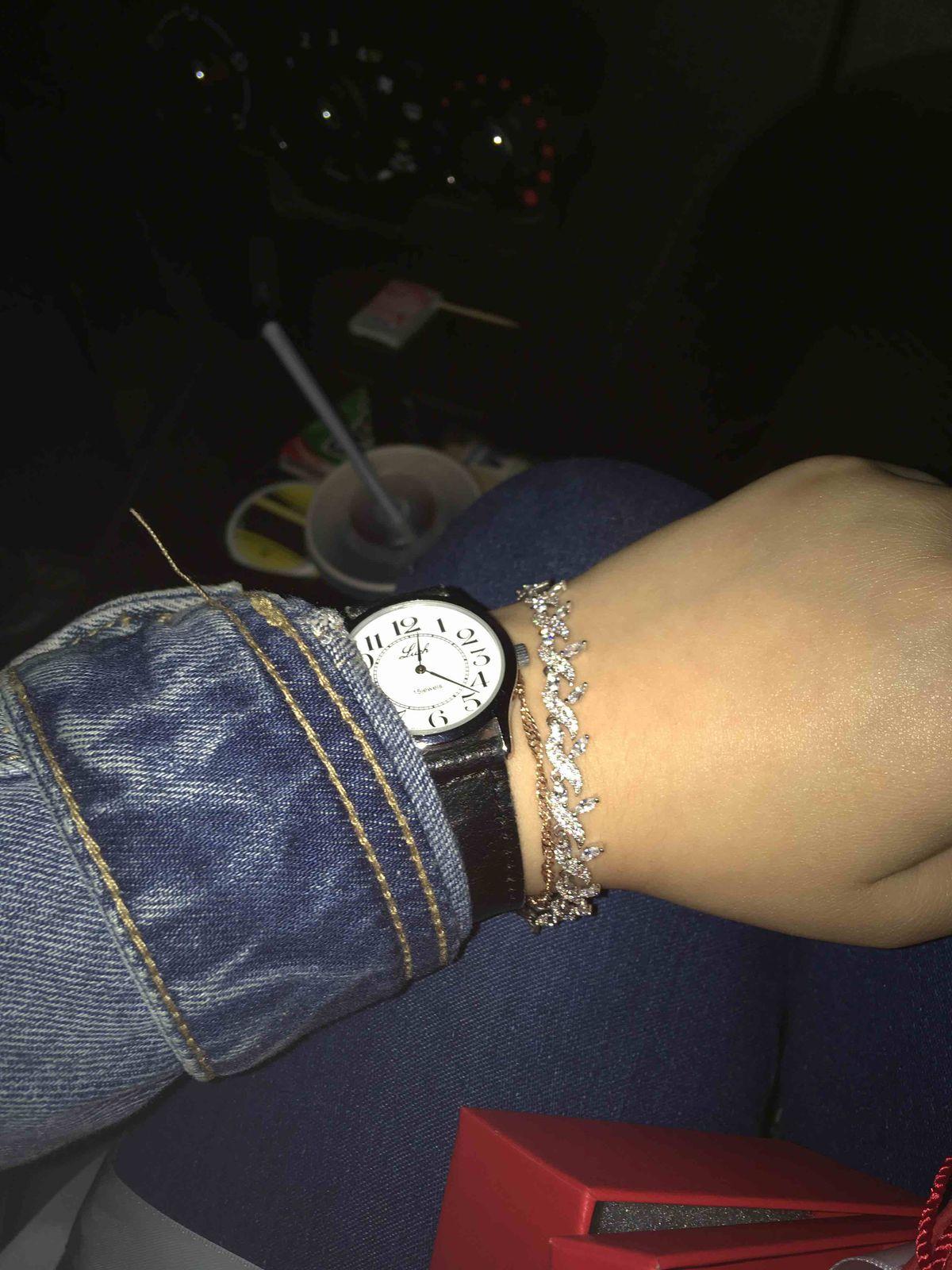Прекрасный браслет, выглядит дорого