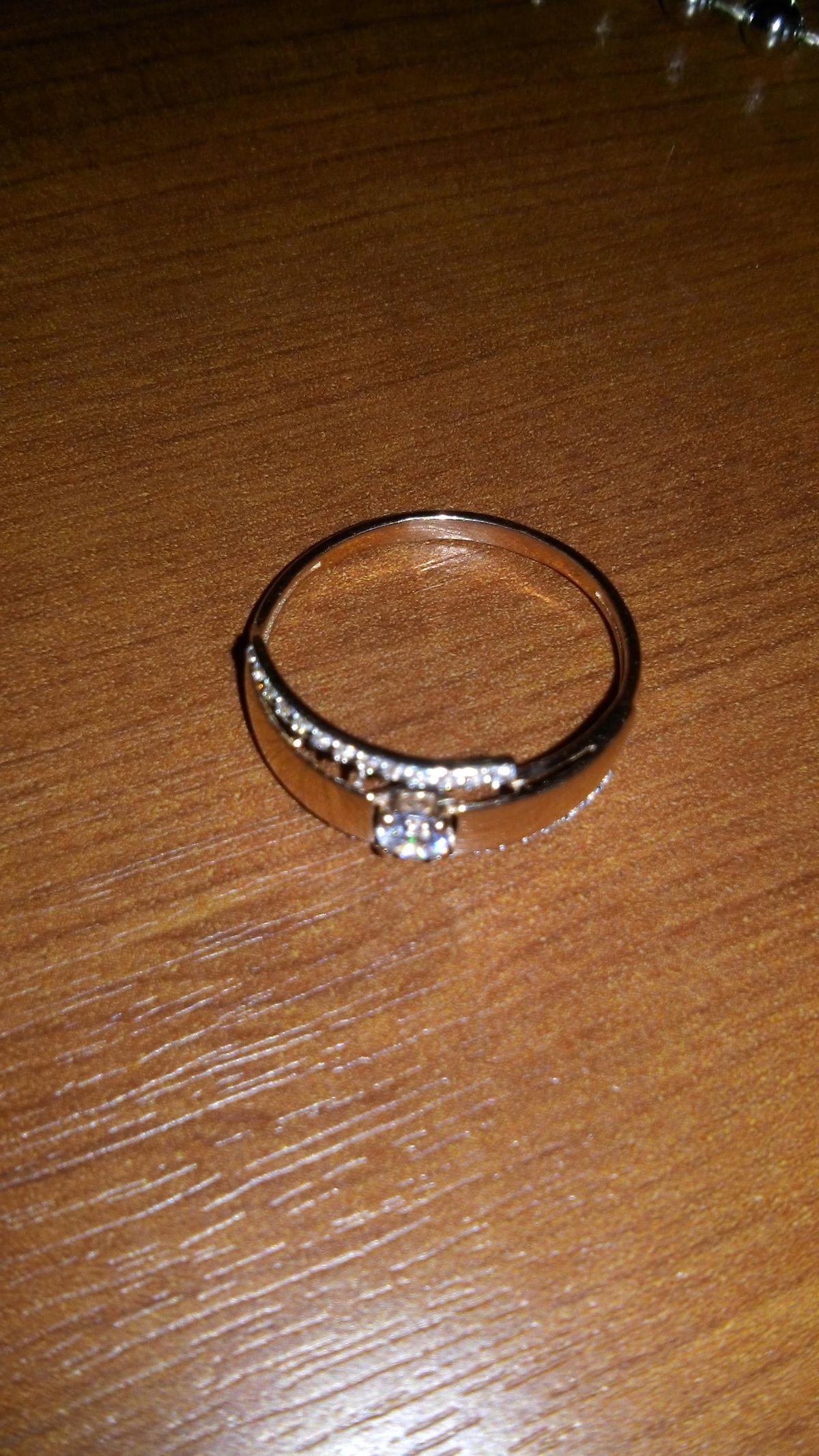 Муж подарил кольцо на 8Марта!