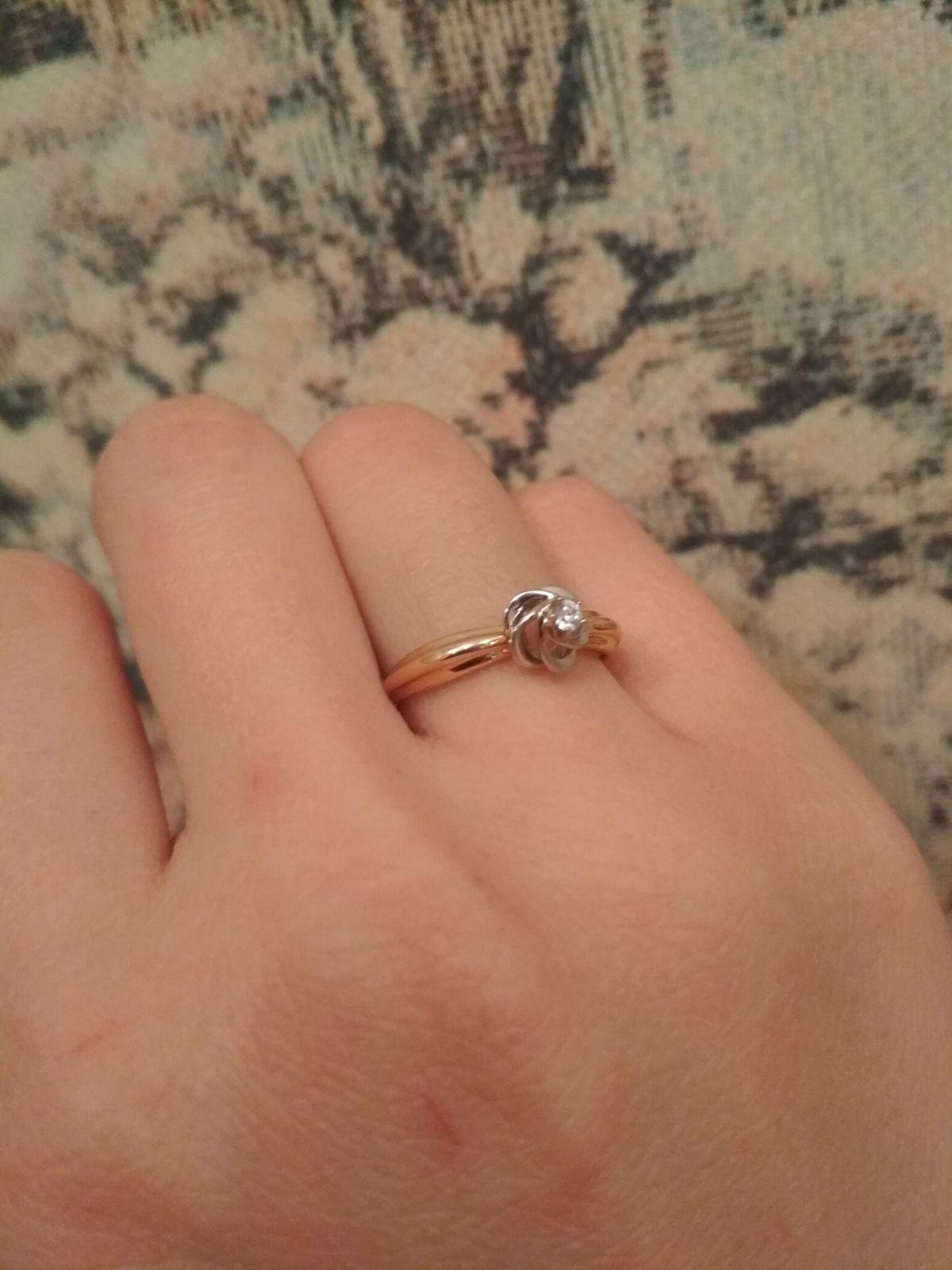 Золотое кольцо в виде розы