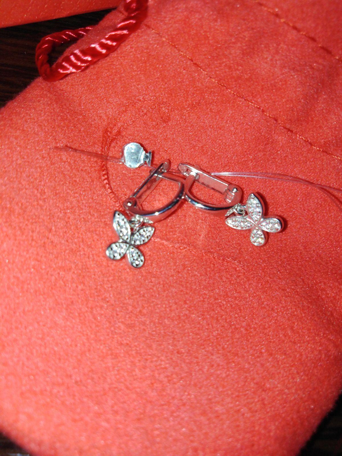 Прелестные серёжки для маленькой девочки!!! 😍😍😍