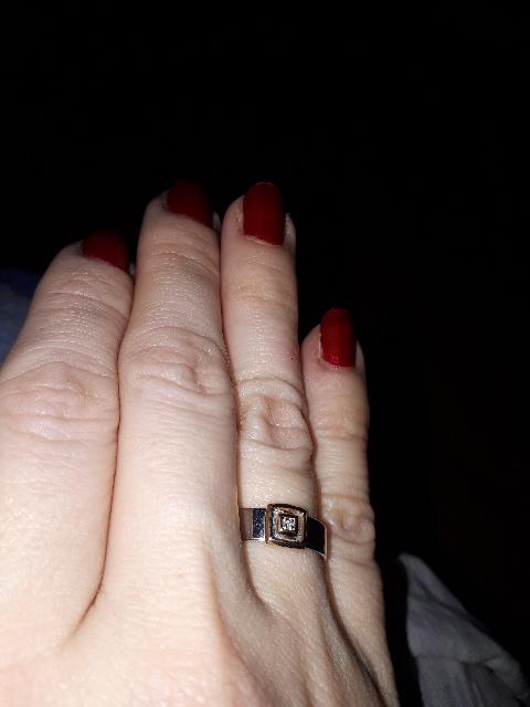 Сербряное кольцо с бриллиантом