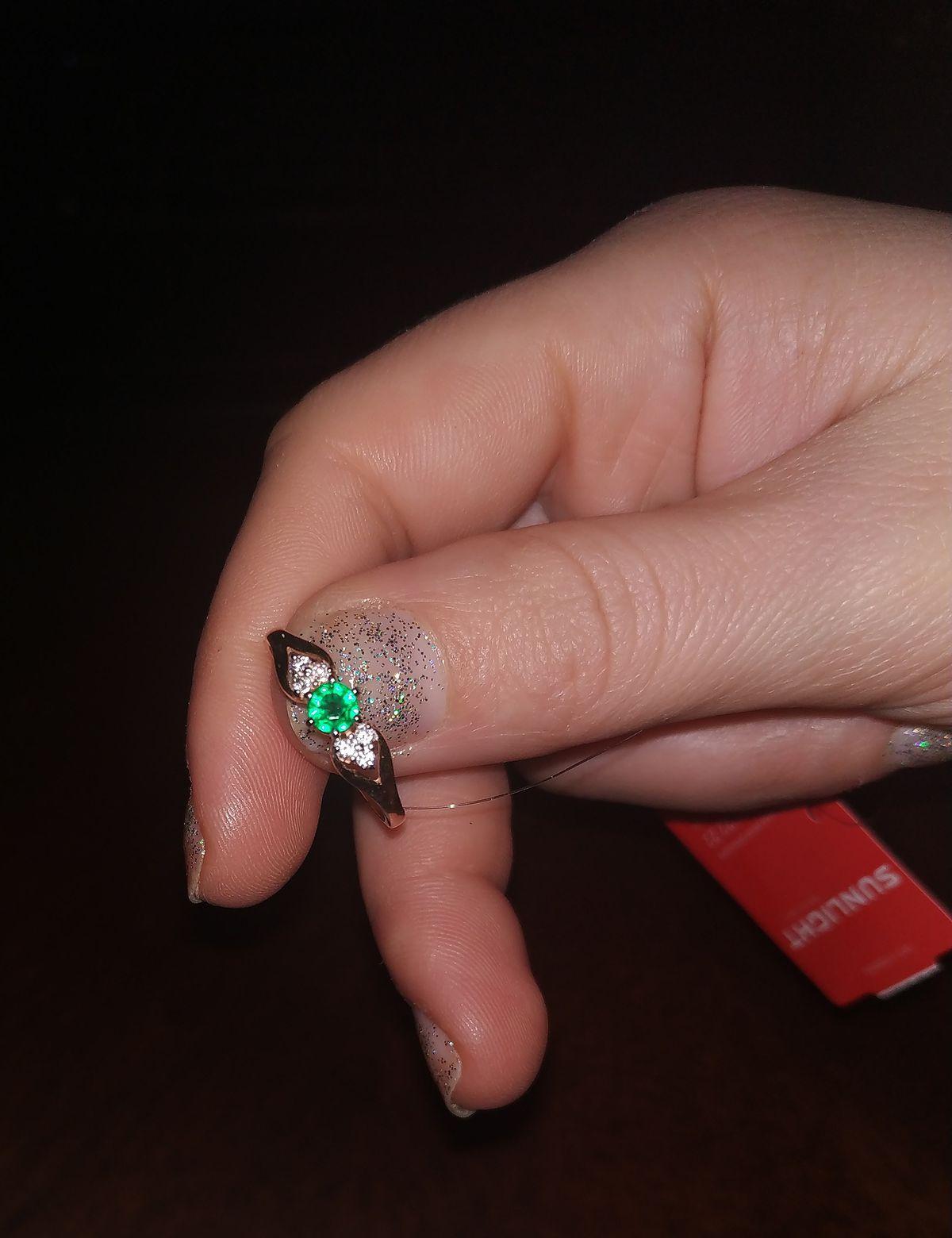 Покупка кольца с фианитом,18 размер, 585 проба.