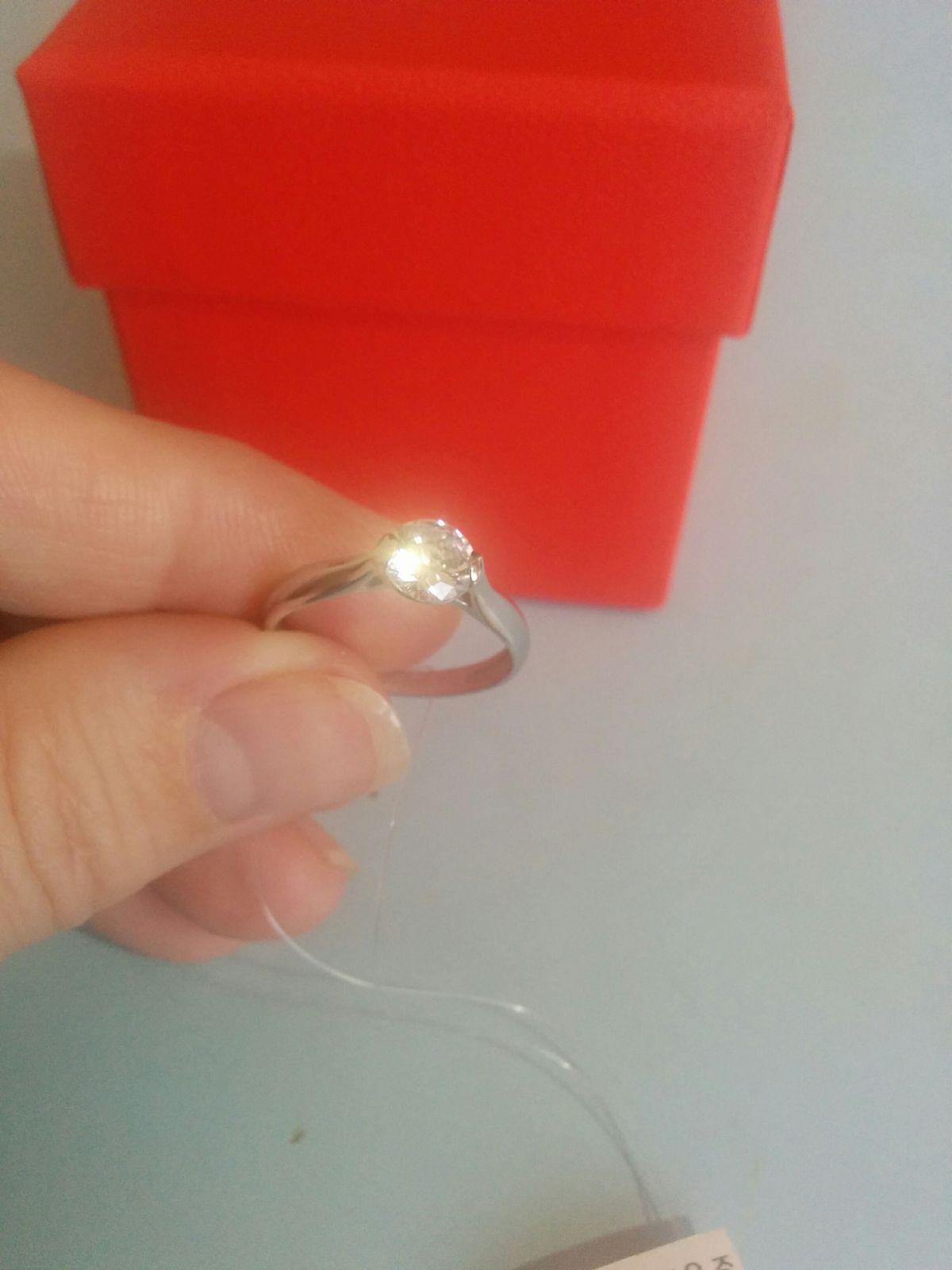 Изящное, серебряное кольцо