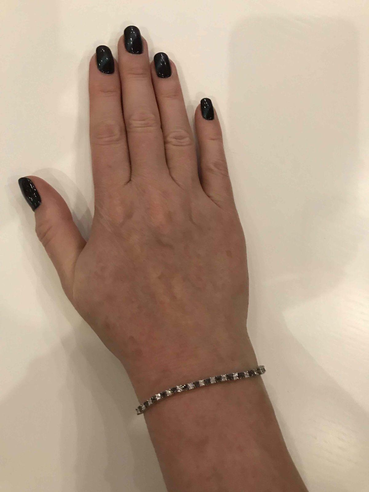 Браслет из черных и белых бриллиантов
