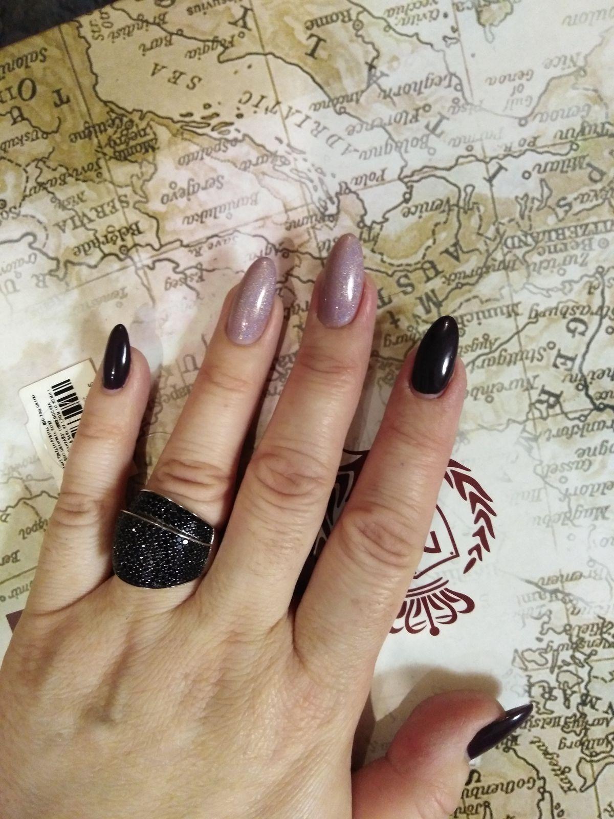 Серебряное кольцо с чёрными фианитами