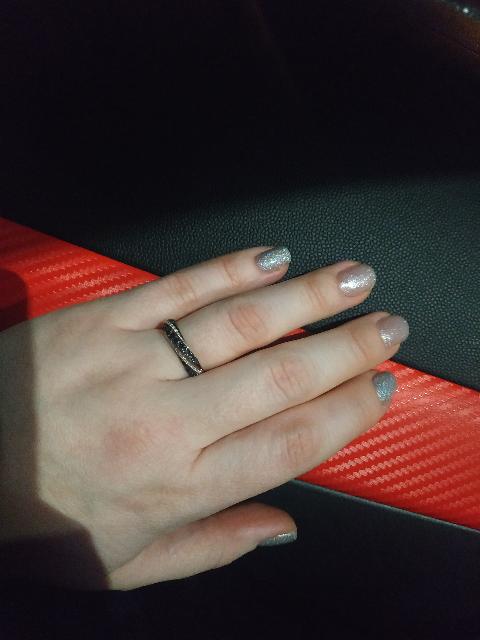 Красивое, элегантное кольцо