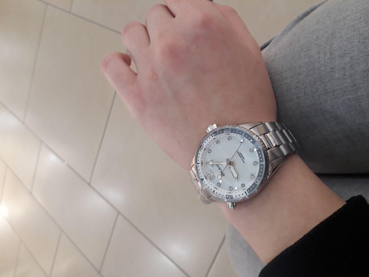 Отличные часы, очень оригинальные