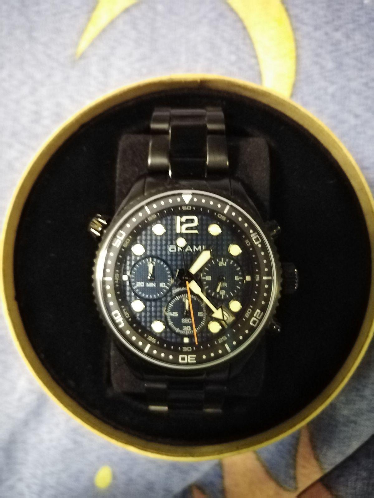 Часы привлекательные