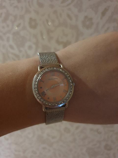 Часы купила себе