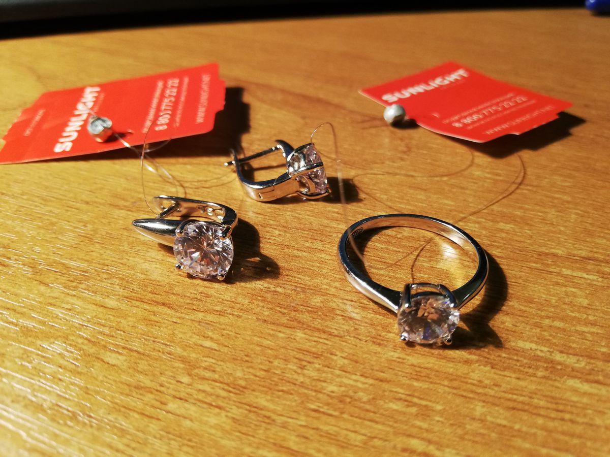 Элегантные серебряные серьги
