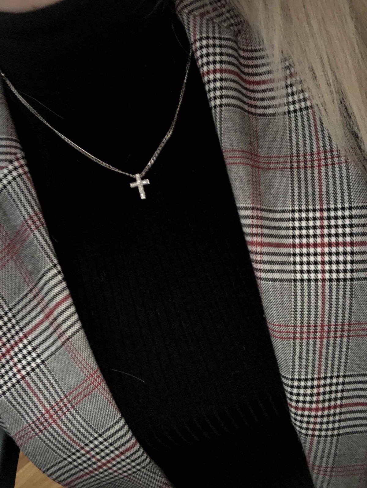 Изящный крестик