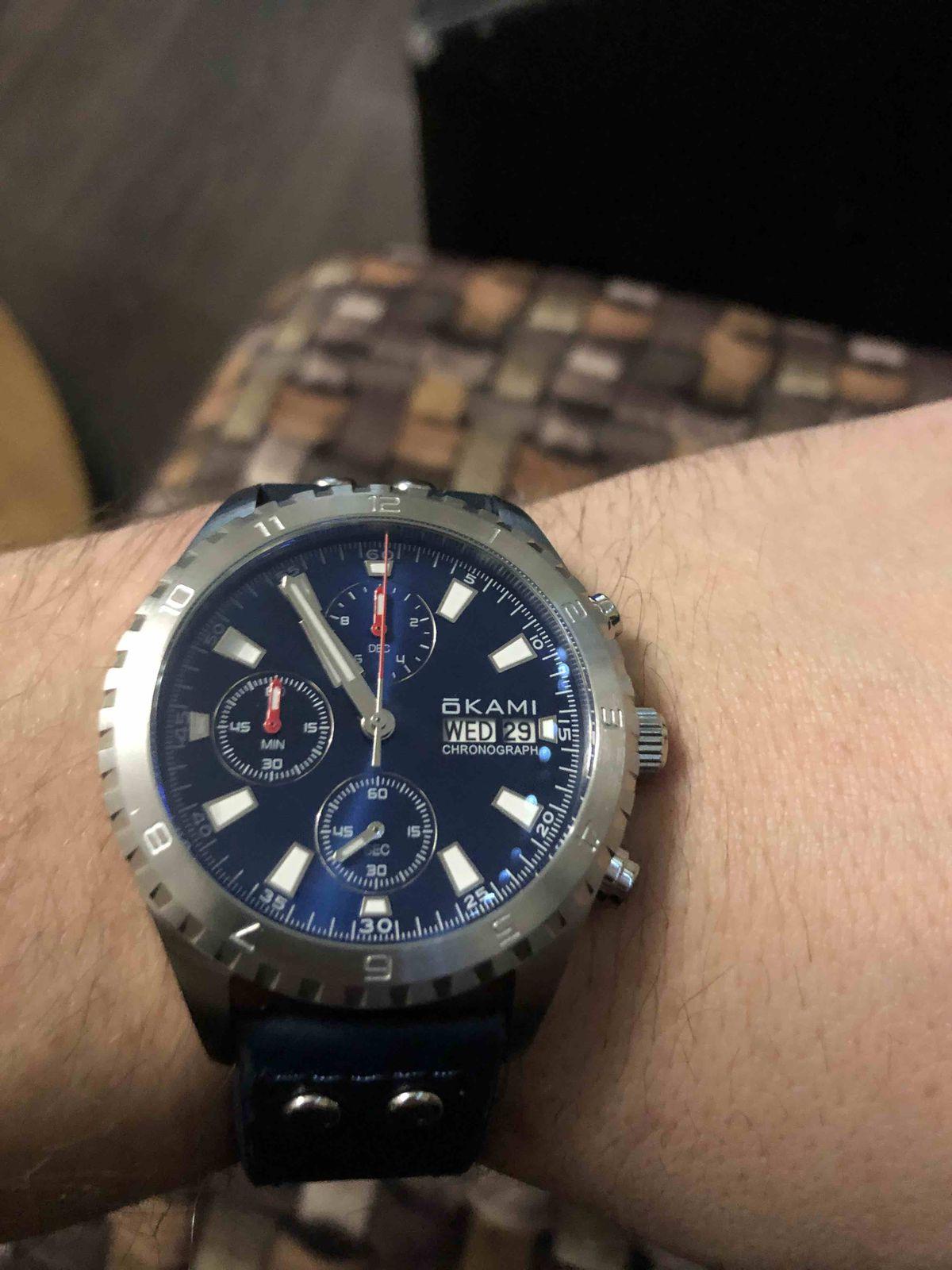 Купил часы себе в повседневное пользование.