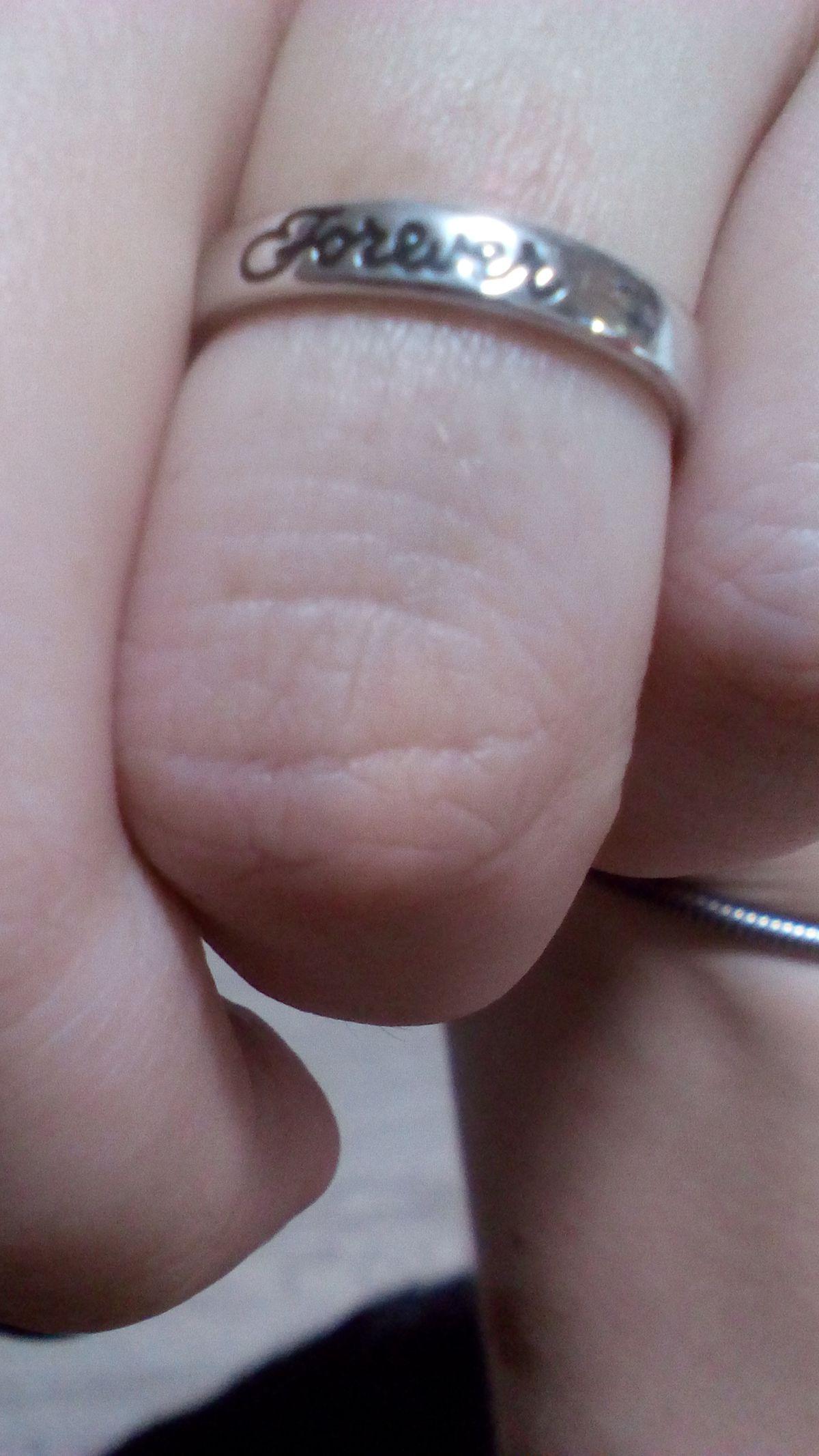 Серебряное колечко с надписью