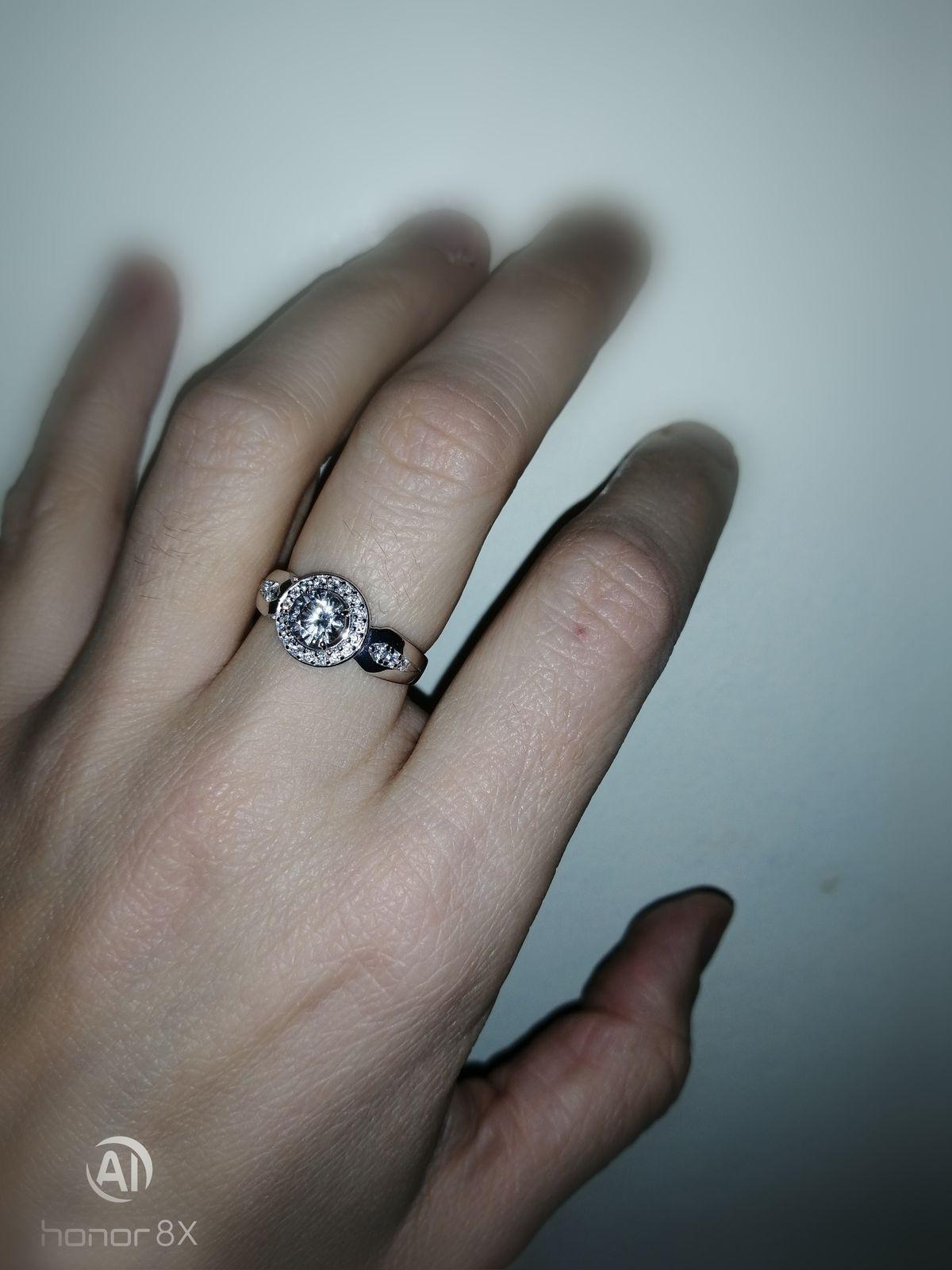 Необычное, красивое, современное кольцо