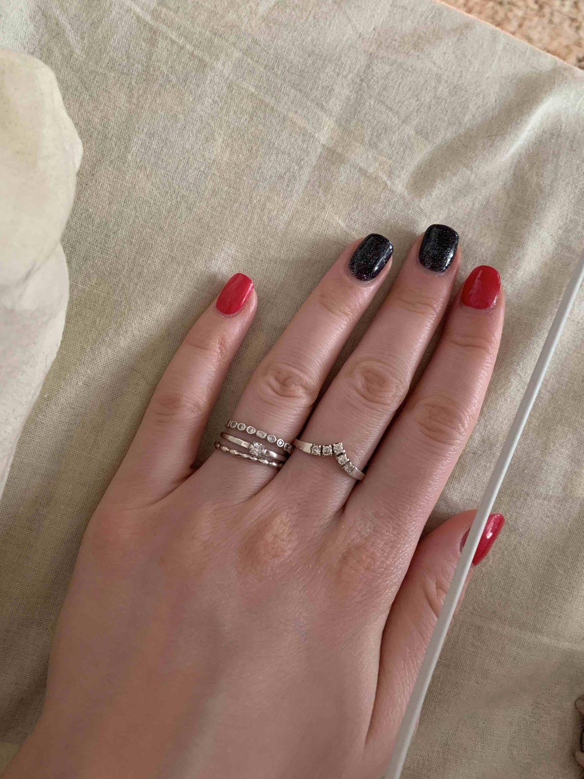 Кольцо с фианитами.