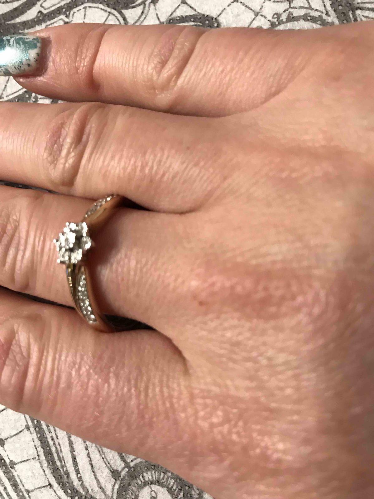 Кольцо из желтого золота с брильянтами