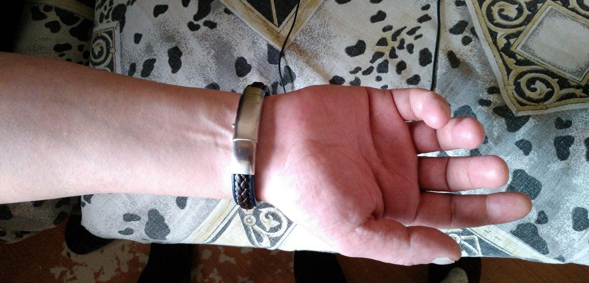 Кожаный мужской браслет.