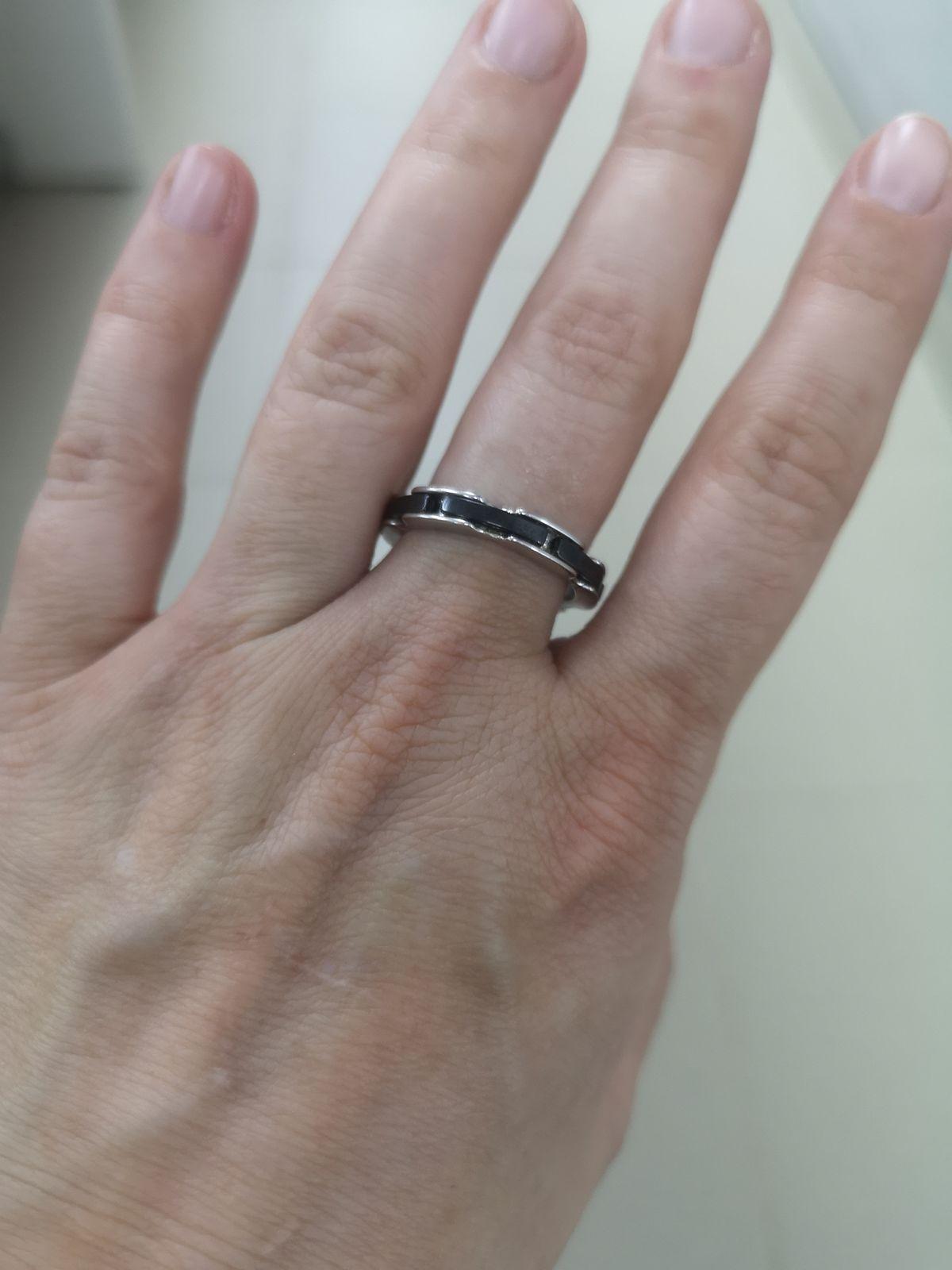 Отличное кольцо, смотрится интересно.