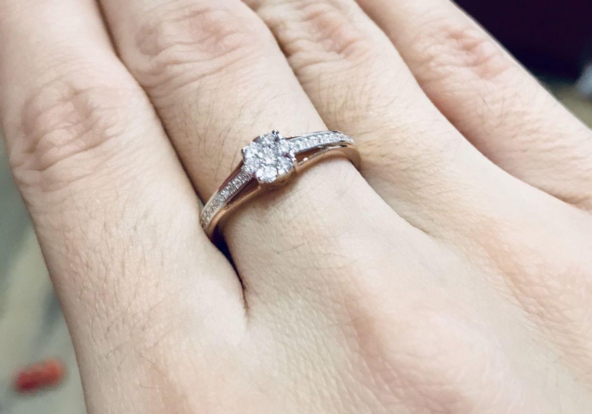 Очень красивое кольцо, фото не передеюет всю красоту.