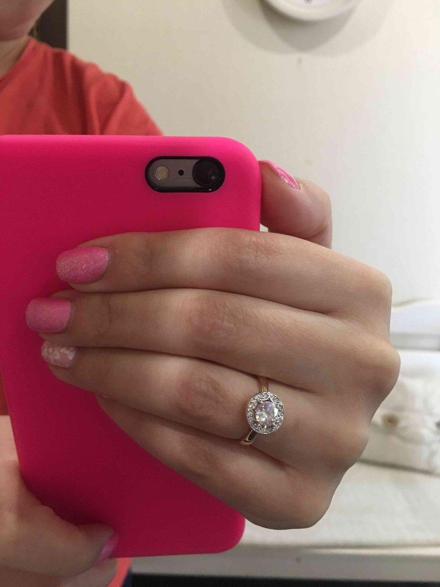 Кольцо в подарок)