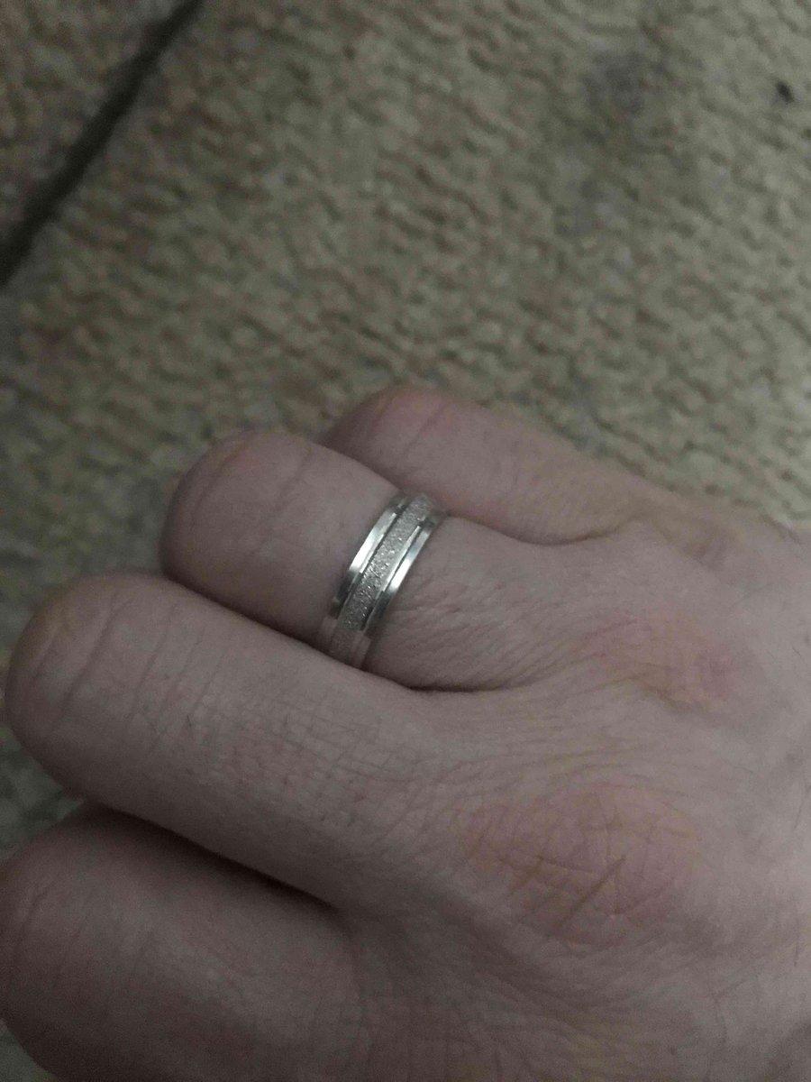 Кольцо с интересным дизайном