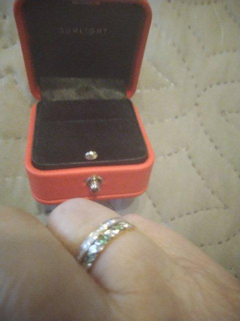 Колечко с изумрудами и бриллиантами