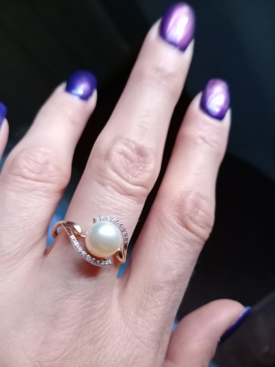 Легкое изящное кольцо.  Золото мягкое,  может погнуться.