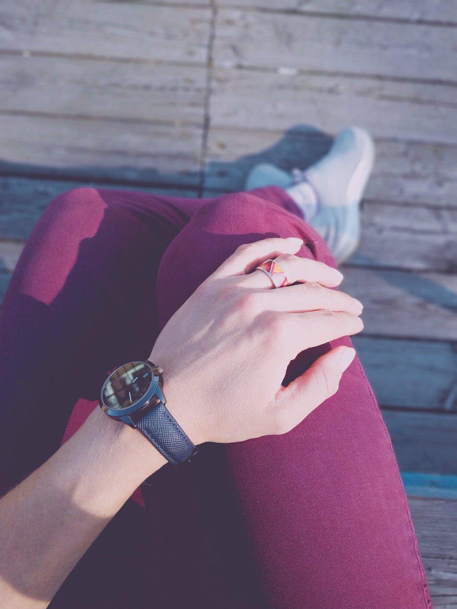 Стильные, эффектные часы!