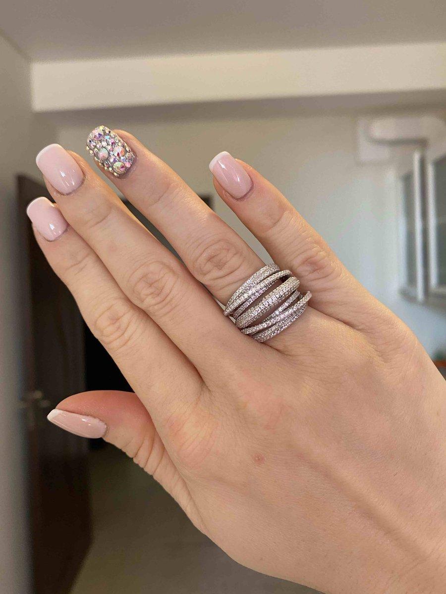 До безумия красивое кольцо !
