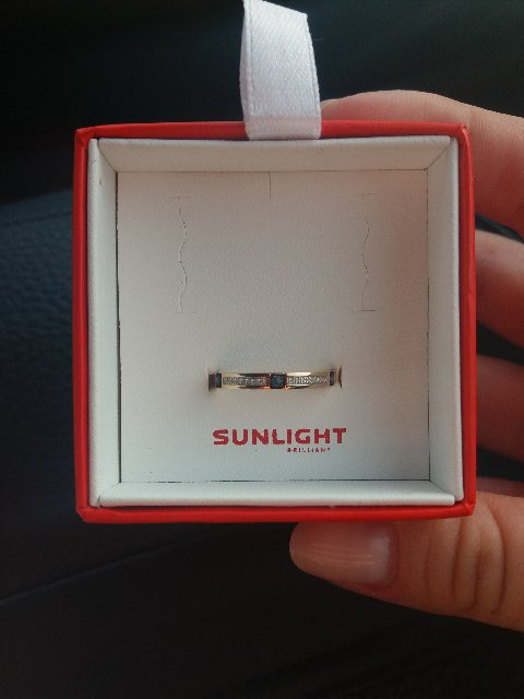 Шикарное кольцо с сапфирами и бриллиантами.
