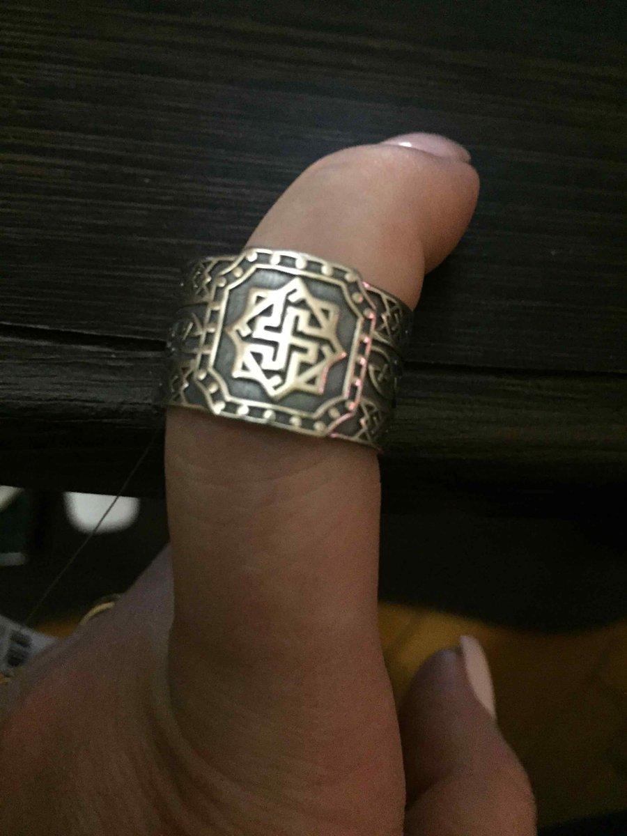 Купила обережное кольцо для мужа