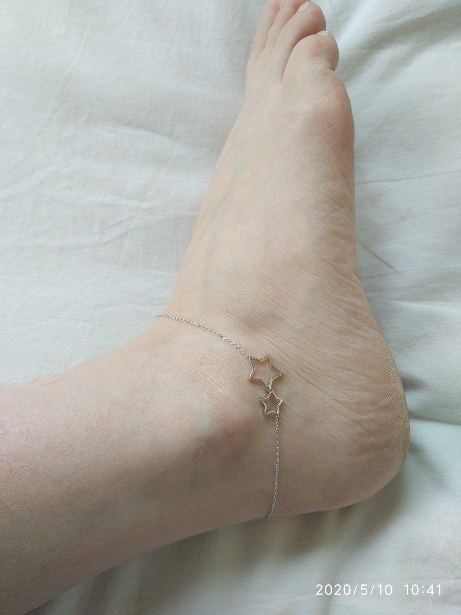 Тонкий ножной браслет