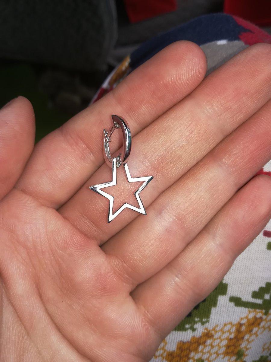 Серёжки колечки со звёздочками! Милое не навяздчивое,оригинальное украшение
