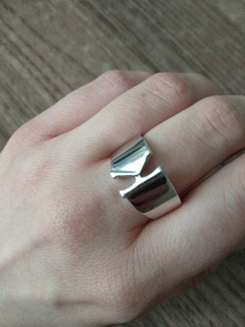 Кольцо с буквой