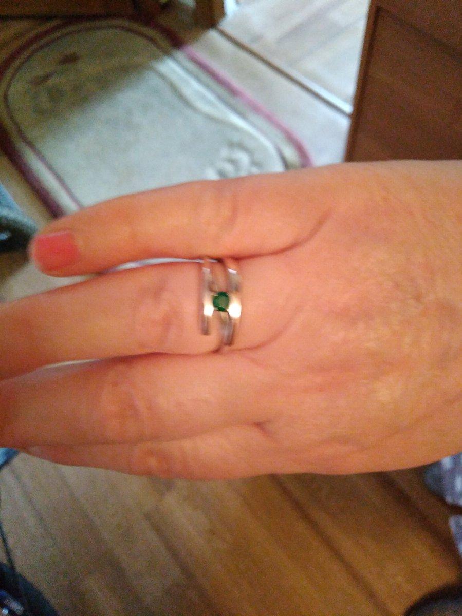Отличные серьги и кольцо влюбилась в них сразу