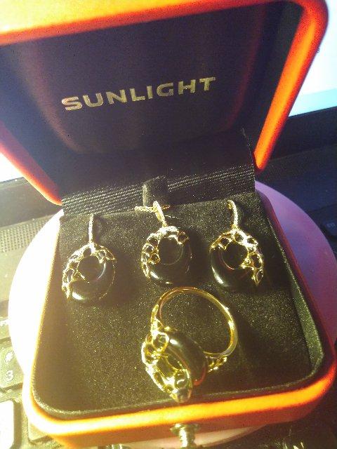 Серьги с ониксом и бриллиантами