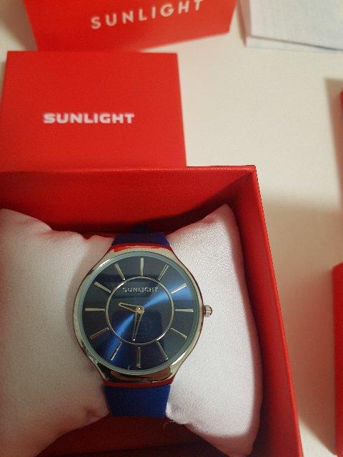 Очень красивый цвет часов!!!