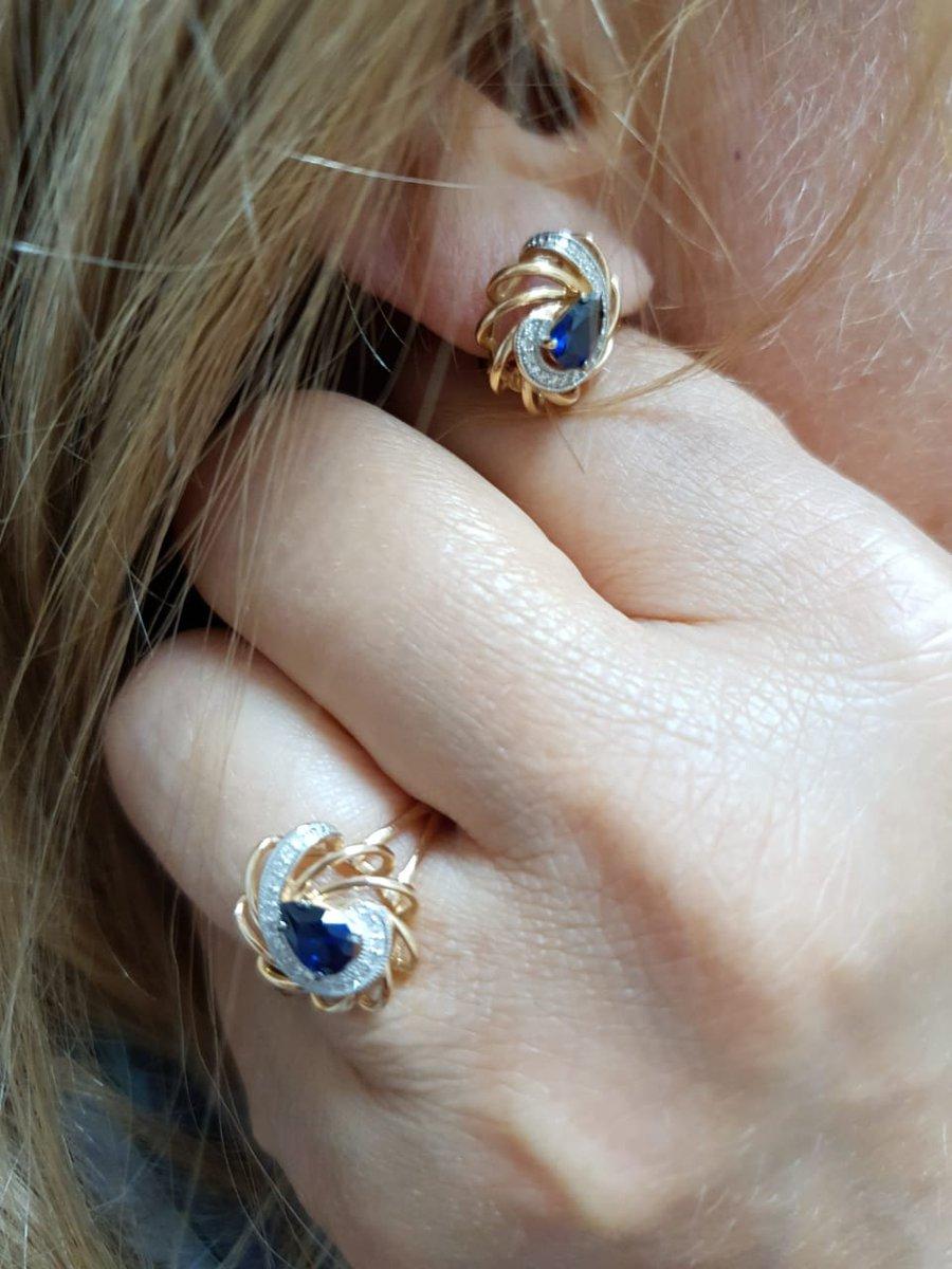 Великолепное кольцо! Приобрела с серёжками. Очень женственно и современно!!
