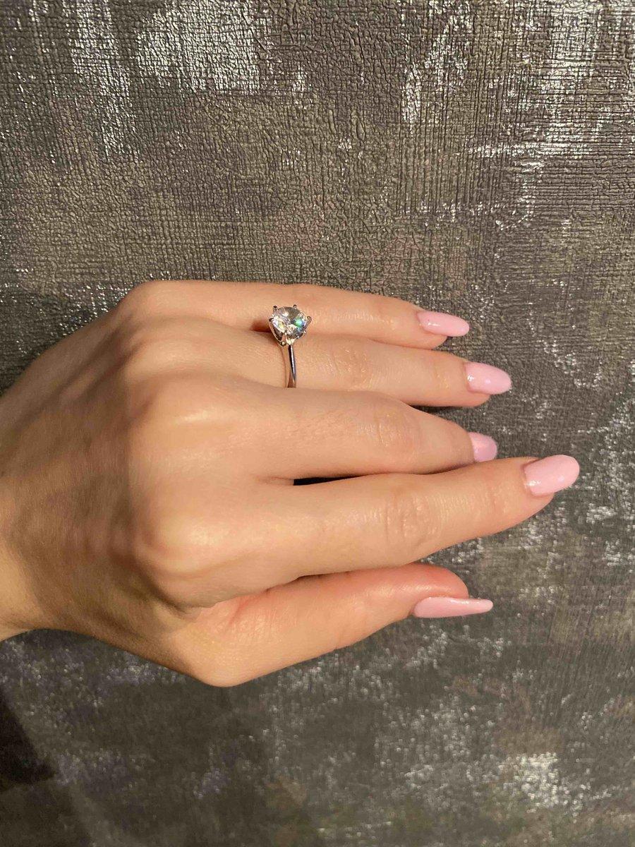 Это кольцо, просто сказка)